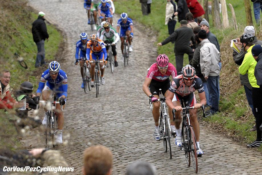 Kuurne - wielrennen - cycling - cyclisme - radsport - Kuurne-Brussel-Kuurne - Tom Boonen (Quickstep) - Leif Hoste (Lotto Predictor) - foto Cor Vos ©2007