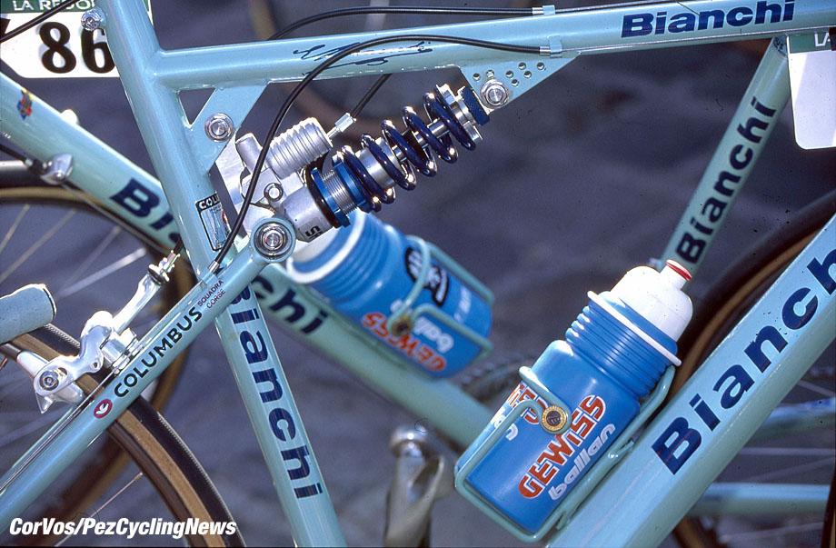 Roubaix - France - wielrennen - cycling - radsport - cyclisme -  Bianchi bike wit suspension pictured during  Paris - Roubaix 1994 Archiefpicture - photo HR/Cor Vos © 20R/