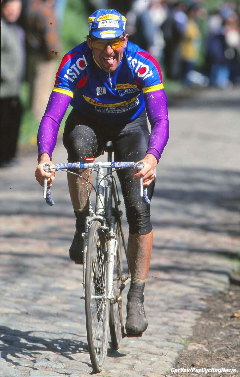 Roubaix - France  - wielrennen - cycling - cyclisme - radsport -   Dirk DE WOLF pictured during Paris-Roubaix 1994 - archief - stock - archive - archivbild -  photo Cor Vos © 2017