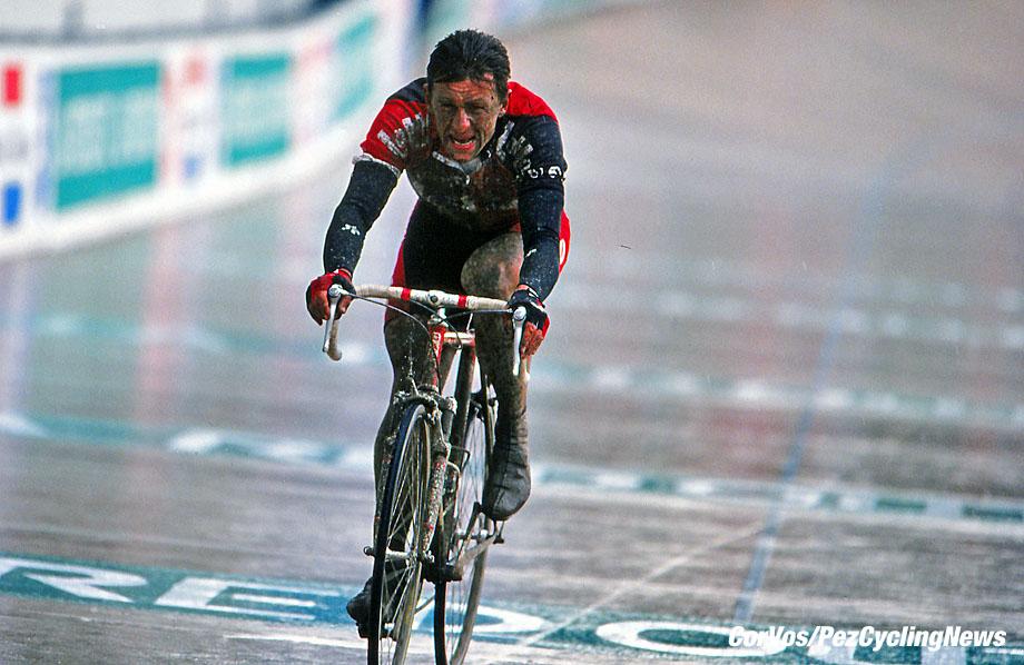 Roubaix - France  - wielrennen - cycling - cyclisme - radsport - Andrei Tchmil - Tchmile  pictured during Paris-Roubaix 1994 - archief - stock - archive - archivbild -  photo Cor Vos © 2017