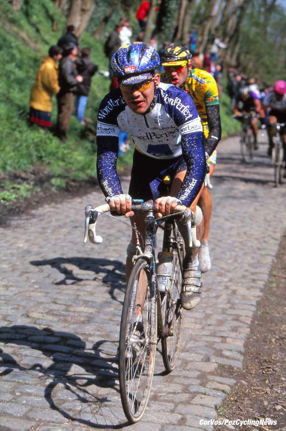 Roubaix - France - wielrennen - cycling - cyclisme - radsport - Leon VAN BON pictured during Paris-Roubaix 1994 - archief - stock - archive - archivbild - photo Cor Vos © 2017
