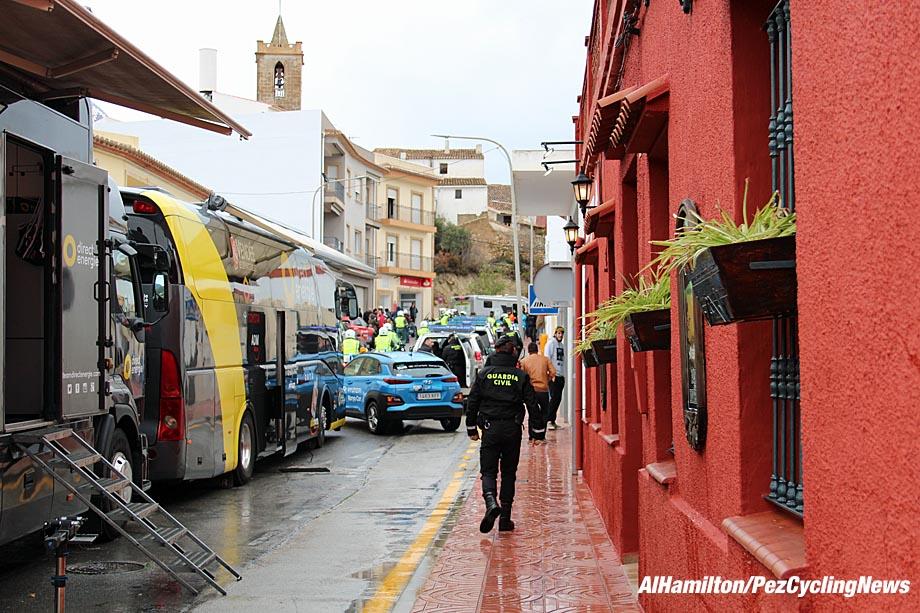 valencia18st3ah-wet-street-920