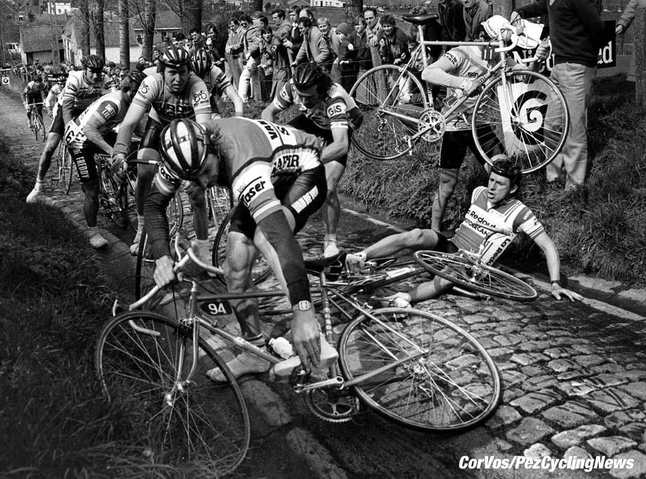 Chaos op de Koppenberg, foto Cor Vos©1998