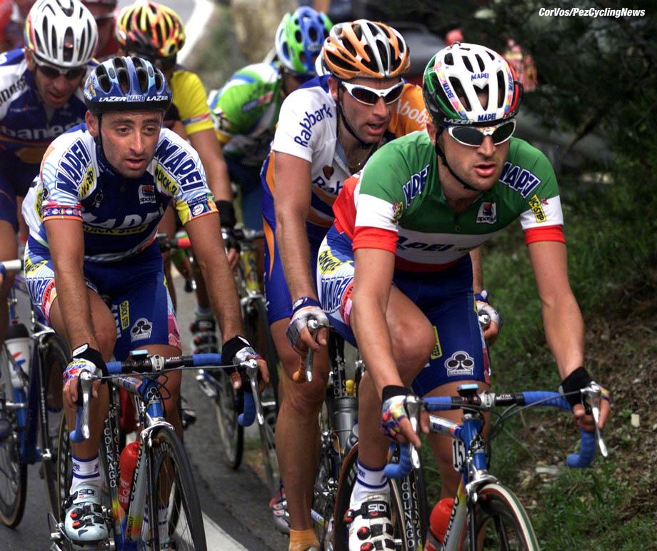 Milano-Sanremo, foto Cor Vos ©2001 Bettini, Wauters en Bartoli