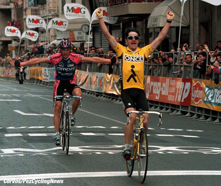 Milano-Sanremo-wielrennen-Laurent Jalabert wint voor Maurizio Fondriest, foto Cor Vos ©