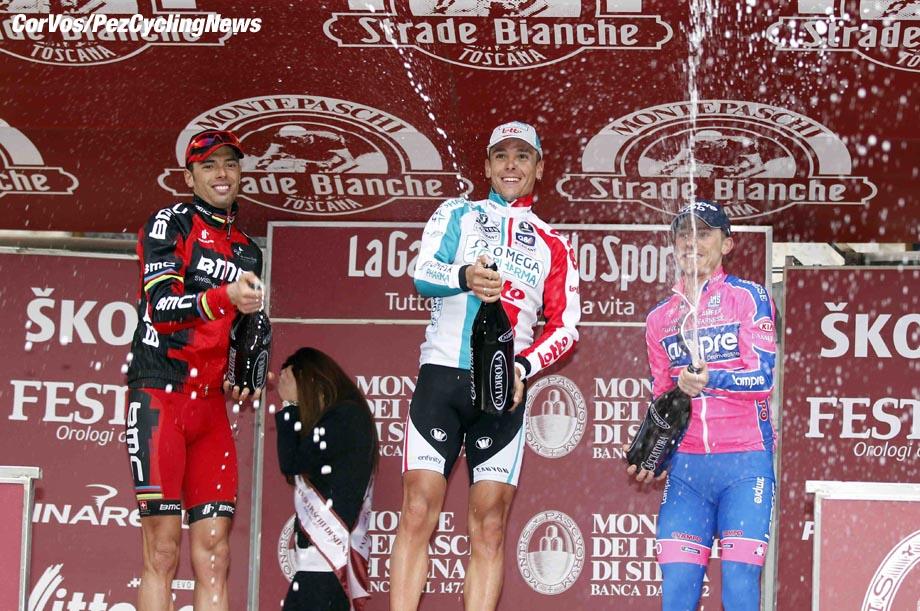 Siena - Italia - wielrennen - cycling - radsport - cyclisme - Montepaschi Strade Bianche - Eroica Toscana. - podium - Alessandro Ballan (BMC Racing Team) -  Philippe Gilbert (Omega Pharma - Lotto - Canyon) - Damiano Cunego - foto Cor Vos ©2011
