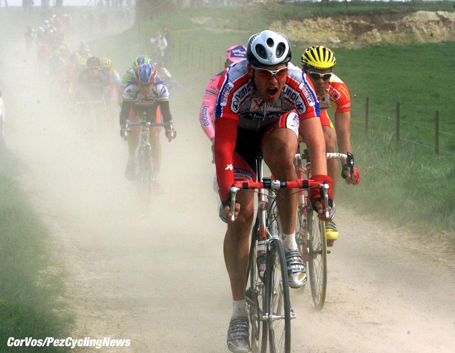 Parijs-Roubaix, foto Cor Vos ©2000 Jacobsen