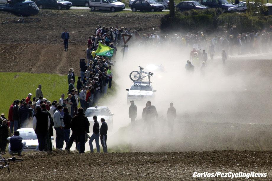 Parijs-Roubaix, foto Cor Vos ©2003 sfeerfoto