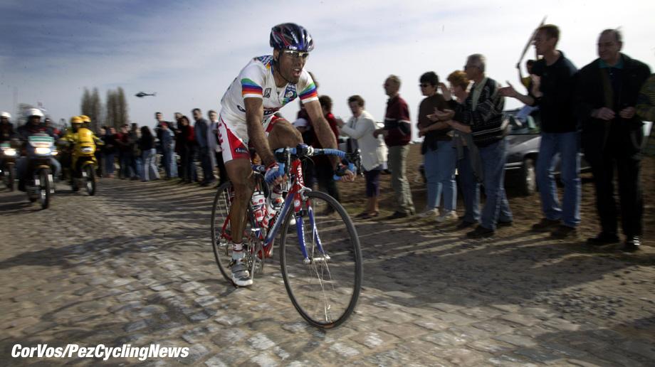 Parijs-Roubaix, foto Cor Vos ©2003 Peter van Petegem