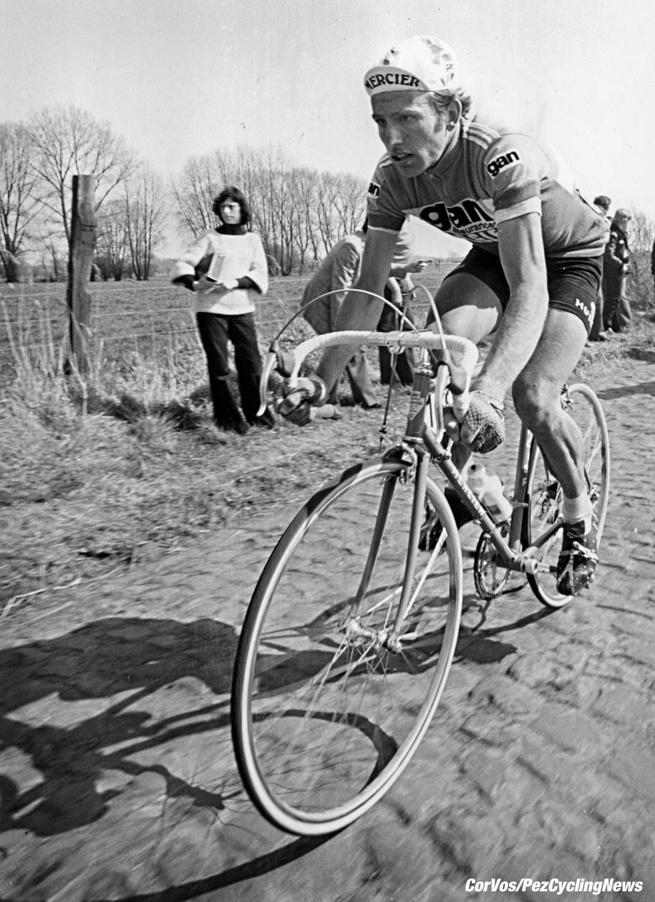 Hoogvliet  - wielrennen - cycling - radsport - cyclisme - Joop Zoetemelk -  Parijs - Roubaix 1976 - archief - stock archives  - foto Cor Vos ©2012