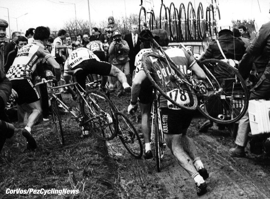 Parijs-Roubaix in de modder. foto Cor Vos©