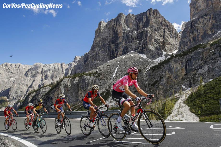 Ortisei - Italia - wielrennen - cycling - radsport - cyclisme -  Tom Dumoulin (NED - Team Sunweb) - Passo Gardena - Manuele BOARO (Italy / Team Bahrain - Merida) - Vincenzo NIBALI (Italy / Team Bahrain - Merida) - Steven KRUIJSWIJK (Netherlands / Team Lotto NL - Jumbo) - Bauke MOLLEMA (Netherlands / Team Trek Segafredo) pictured during team stage 18 of the Giro D'Italia 2017  from  Moena to Ortisei, 137.00 km - photo LB/RB/Cor Vos © 2017