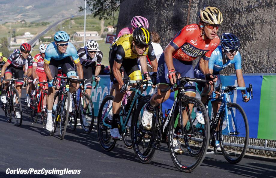 Caltagirone - Italië - wielrennen - cycling - cyclisme - radsport - Domenico Pozzovivo (ITA - Bahrain - Merida) - Richard Carapaz (ECU - Movistar) - George Bennett (NZL - Team LottoNL - Jumbo) Luis Leon Sanchez (ESP - Astana Pro Team) - Tom DUMOULIN (Netherlands / Team Sunweb) pictured during the 101st Giro d'Italia 2018 - stage 4 from Catania to Caltagirone (198 KM) - photo LB/RB/Cor Vos © 2018