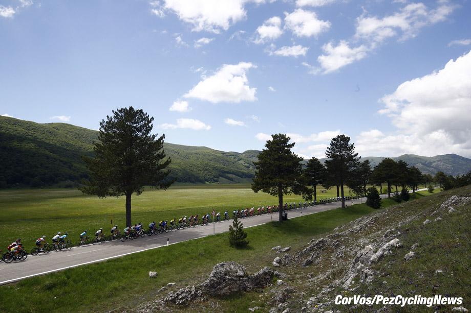 Gran Sasso d'Italia  - Italië - wielrennen - cycling - cyclisme - radsport - illustration - scenery - carte postal scenic shot - postcard sfeerfoto - sfeer - illustratie  pictured during the 101st Giro d'Italia 2018 - stage 9 from Pesco Sannita to Gran Sasso d'Italia (225 KM) - photo LB/RB/Cor Vos © 2018