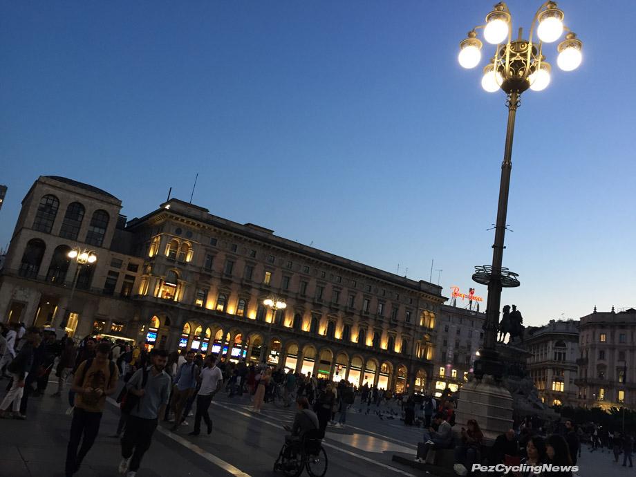 milan-piazza-at-dusk