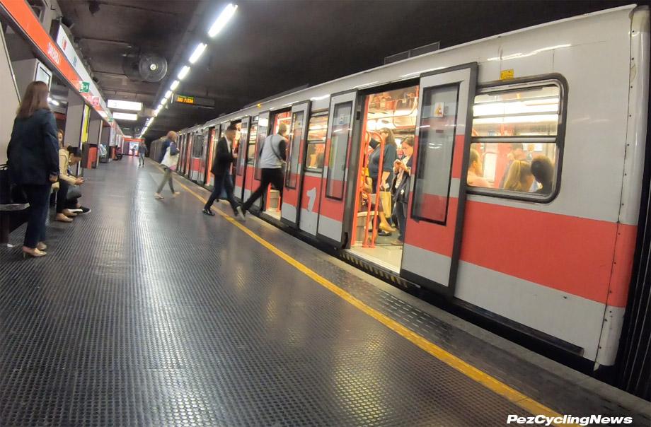 milan-subway-train