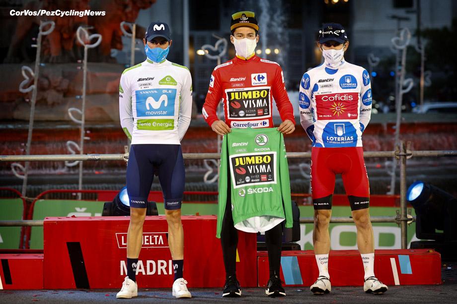 vuelta20 jerseys podium